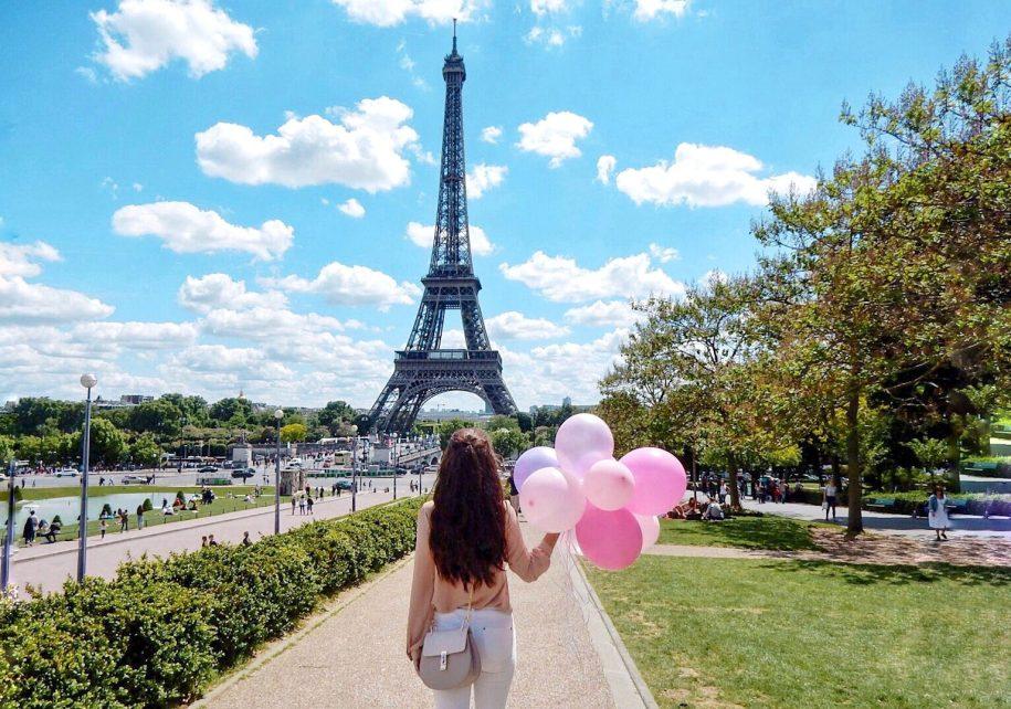 Romantic-Paris-Eiffel-Tower