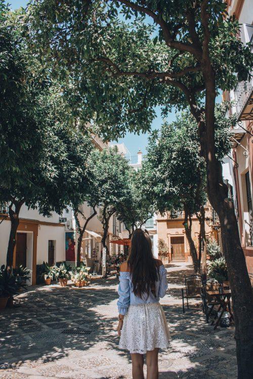 Plaza-De-Alianza-Seville