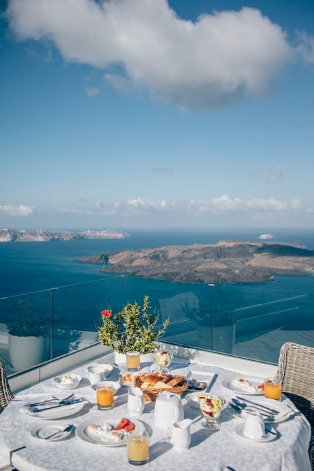 santorini-luxury-hotel